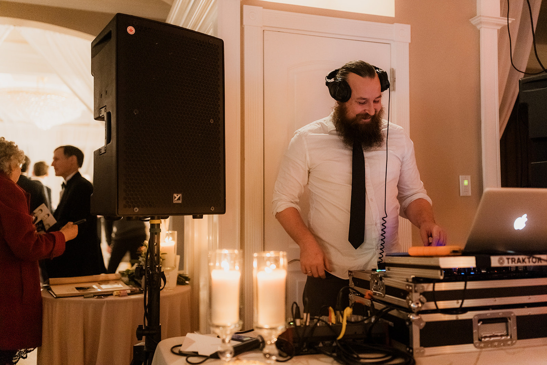 Victoria wedding DJ