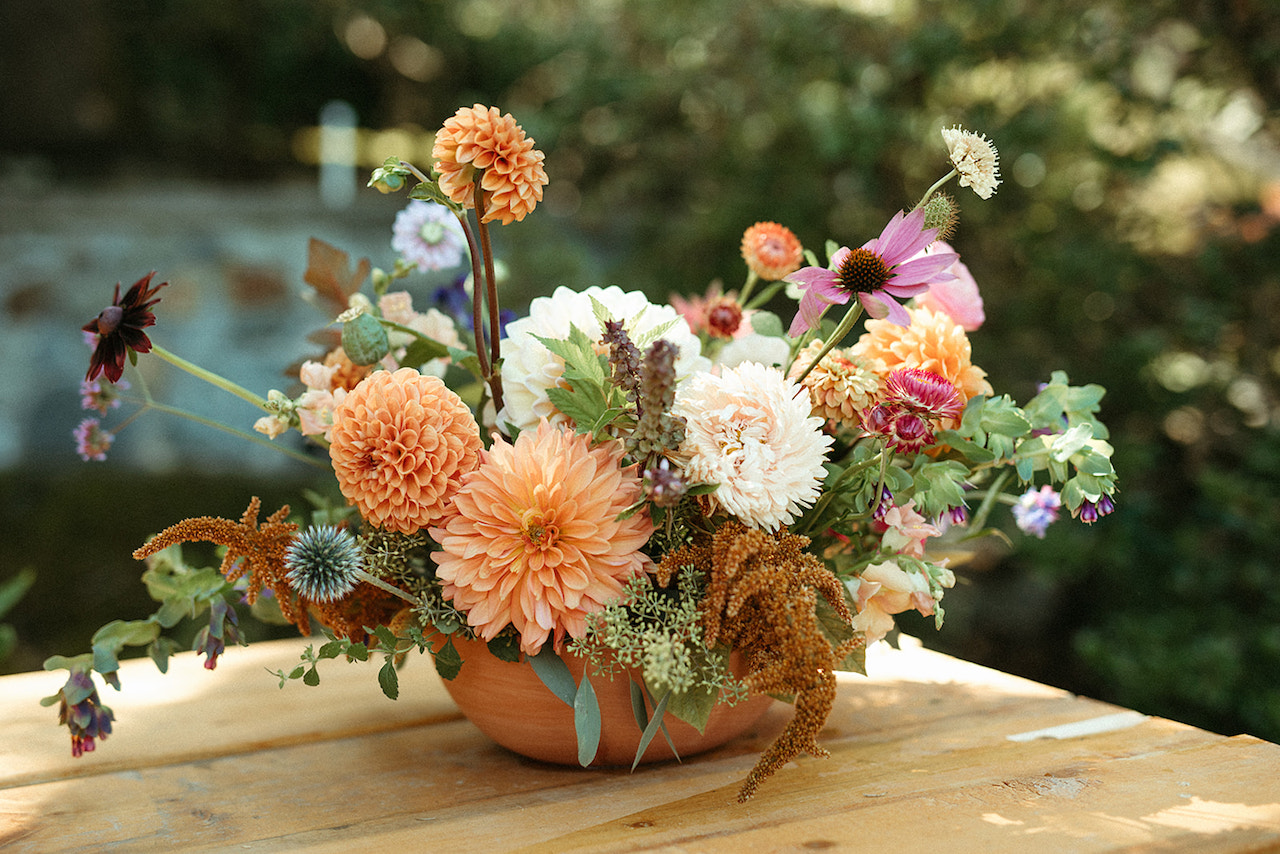 orange and white dahlia centrepiece