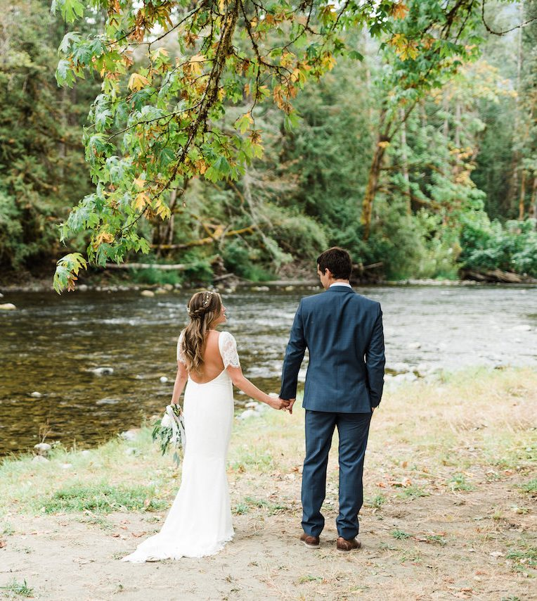 cowichan river bride and groom